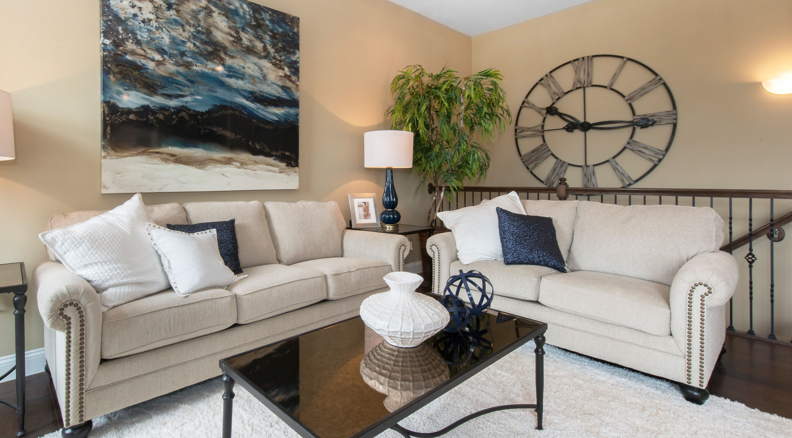 lombard-large-familyRoom02
