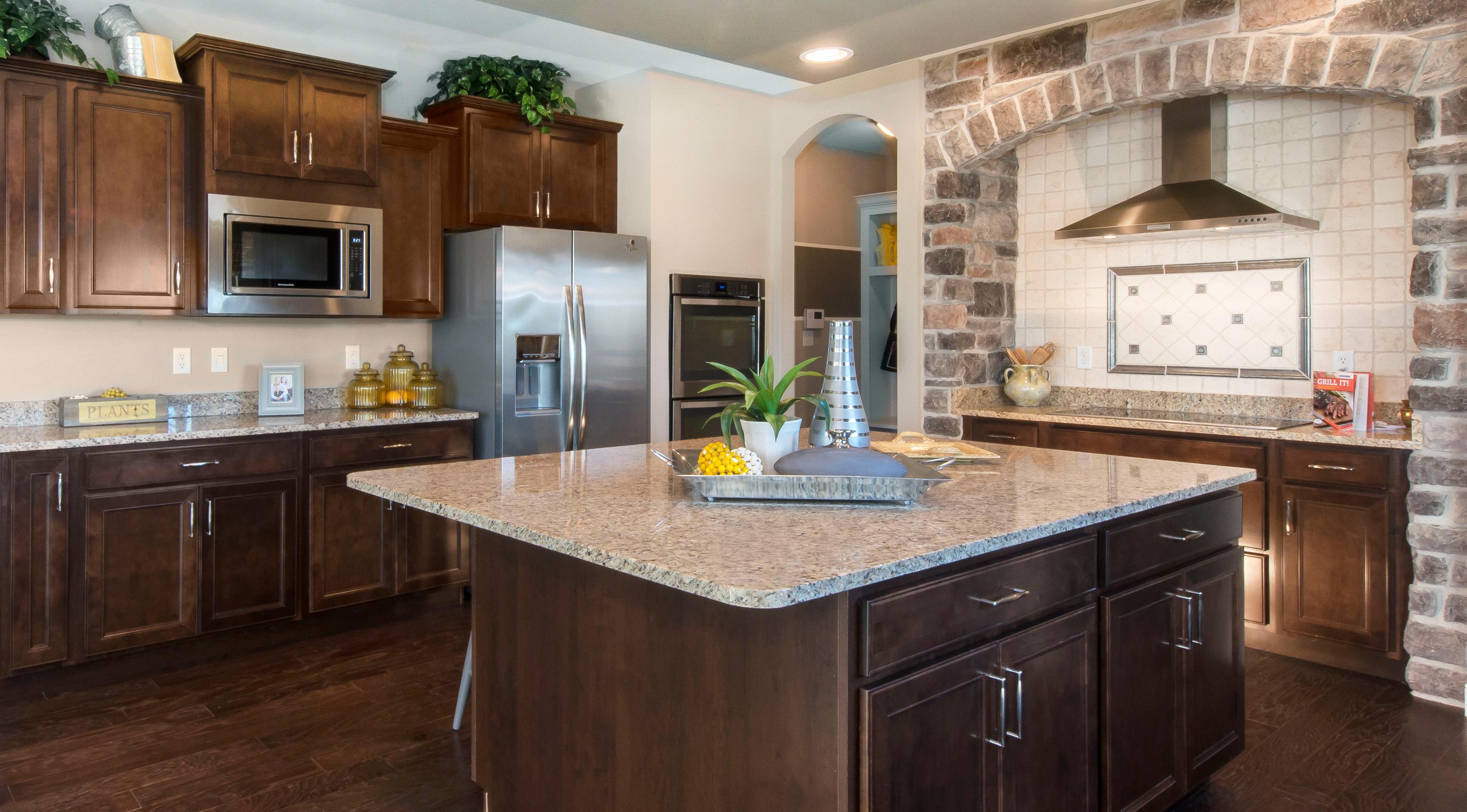 lombard-large-kitchen02.