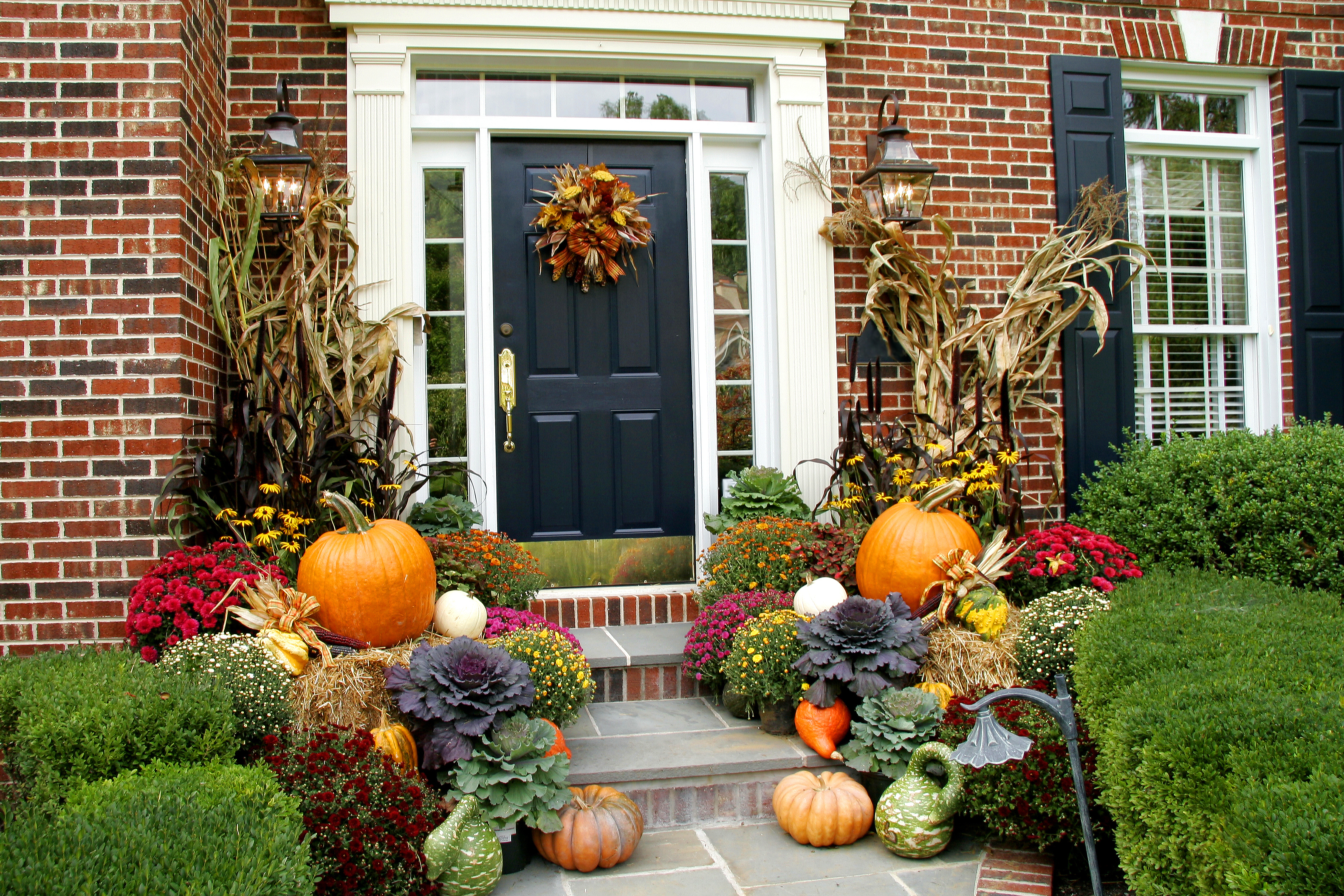 fall decorating homes porch decor decorations outdoor door autumn yard outside decoration decorated decorate garden halloween harvest porches steps pumpkins